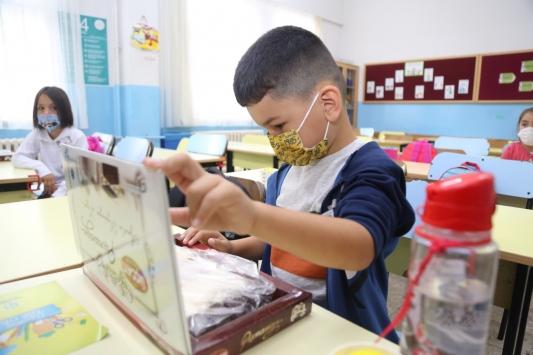 Kocaeli ve Sakaryadan 81 ilde 81 okula pişmaniye ve kabak lokumu gönderildi