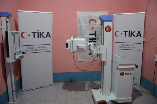 TİKAdan Somalideki devlet hastanesine ekipman desteği