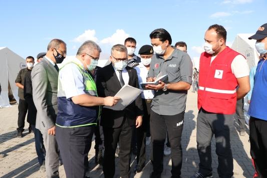 Niğdedeki depremde 17si ağır, 126sı hafif 143 ev hasar gördü