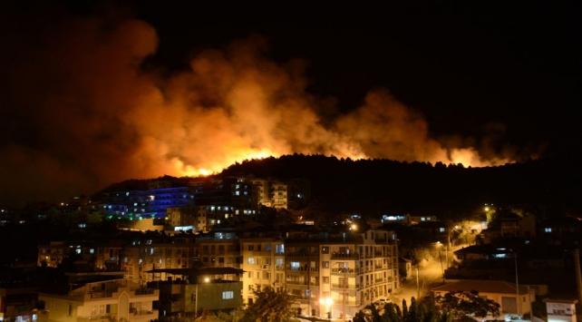 İzmirde otluk alanda çıkan yangınla ilgili 1 kişi gözaltına alındı