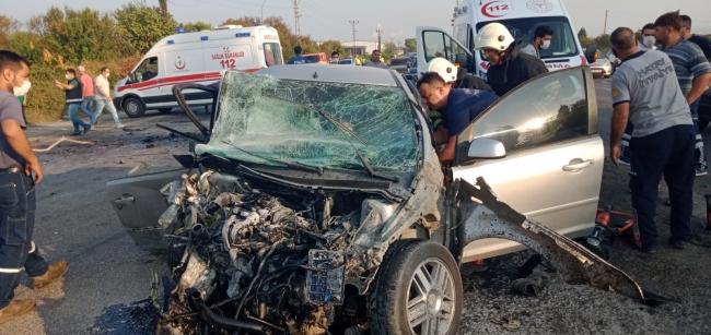 Hatayda iki otomobil çarpıştı: 1 ölü, 1 yaralı