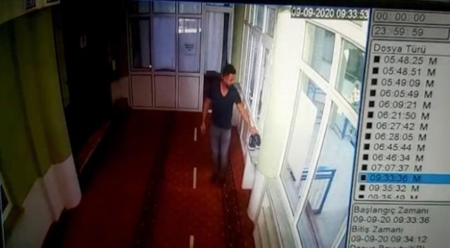 Balıkesirde camiden bağış paralarını çalan hırsız yakalandı