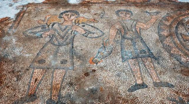Bin 624 yıllık kilisenin mozaikleri gün yüzüne çıkarılıyor