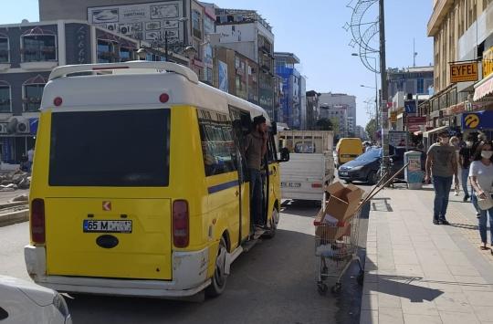 Vanda Kovid-19 tedbirlerine uymayan 74 toplu taşıma aracına 30 bin lira ceza