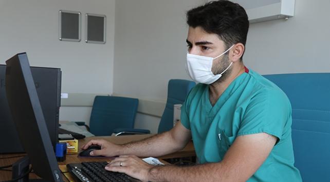 Dr. Oktay Polat: Koronavirüse yakalandığımda kalemi kaldıracak gücüm yoktu