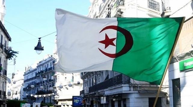Cezayirden Fransız medyasına belgesel tepkisi