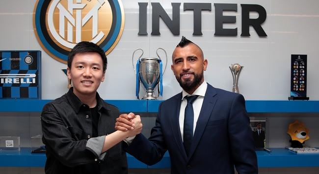 Inter Vidalı transfer etti