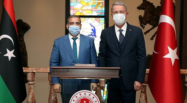 Ankarada önemli görüşme: Bakan Akar, El-Meşri ile bir araya geldi