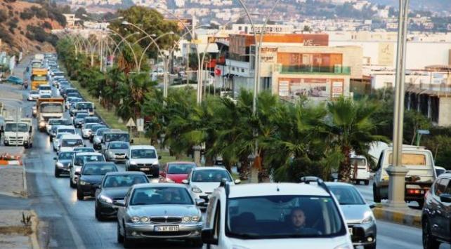 Bodruma giden tatilciler dönmedi, nüfus 400 bine çıktı