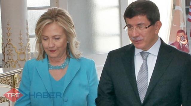 Clinton, Davutoğlunu Aradı