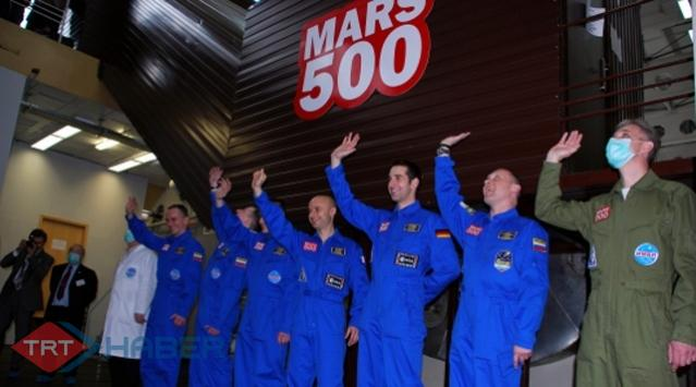 Uzaya Gitmeden Uzay Rekoru Kırdılar