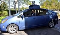 İnsansız Otomobil'e İlk Binen Bakan