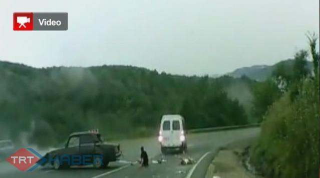 Minibüsle Otomobil İşte Böyle Çarpıştı