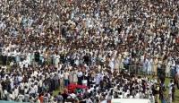 İngiltere'de 20 Bin Kişilik Cenaze Namazı