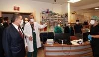 Bakan Koca'dan şiddete maruz kalan sağlık çalışanlarına ziyaret
