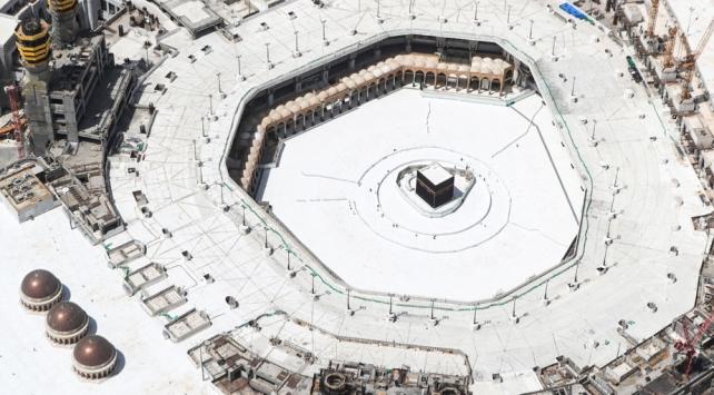 Suudi Arabistanda umre ziyaretleri kademeli olarak başlatılıyor