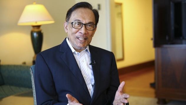 Malezyalı muhalif lider Enver İbrahim, yeni hükümeti kurabileceğini açıkladı