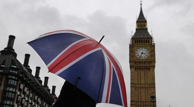 İngilterede vakalar artıyor: Yeniden ulusal karantina uygulanabilir