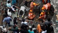 Hindistan'da çöken binada ölü sayısı artıyor