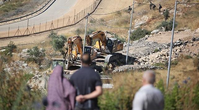 İsrail askerleri Batı Şeriada Filistinlilere ait yapıları yıktı