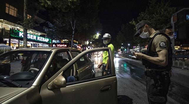İstanbulda 432 şüpheli ile 117 yoklama kaçağı yakalandı