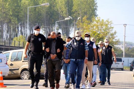 Düzcede DEAŞ operasyonunda yabancı uyruklu 6 kişi yakalandı