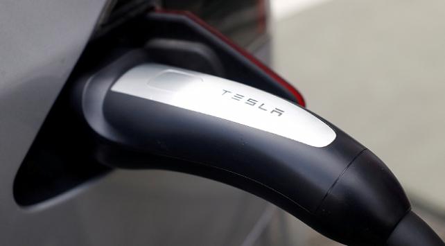 Tesla yeni elektrik bataryalarını tanıttı