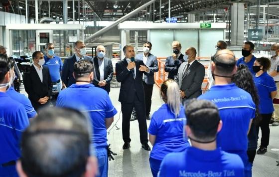 İstanbul Valisi Ali Yerlikayadan Mercedes fabrikasında kademeli mesai görüşmesi