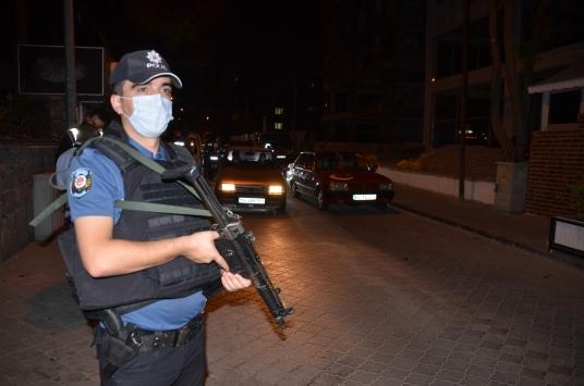 Kahramanmaraşta Kovid-19 tedbirlerine uymayan 72 kişiye para cezası