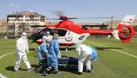 Ambulans helikopter COVID-19 hastası için havalandı