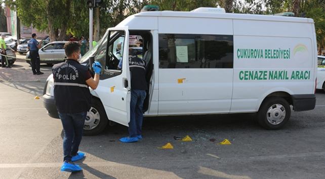Adanada cenaze aracı sürücüsüne silahlı saldırı