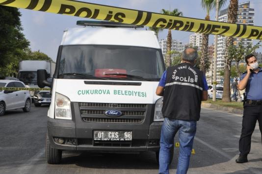 Adanada cenaze aracı sürücüsü silahlı saldırıda yaralandı