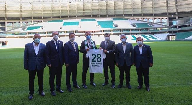 Bakan Kasapoğlu Çotanak Spor Kompleksinde incelemelerde bulundu