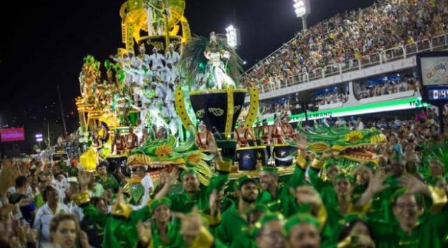 Rio Karnavalı süresiz olarak ertelendi