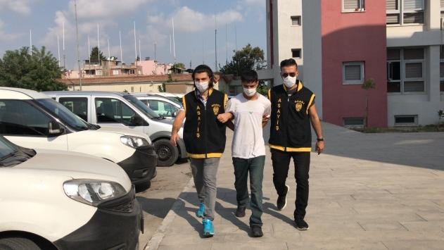 Adanada emeklinin ATMden çektiği maaşı çalan şüpheli yakalandı