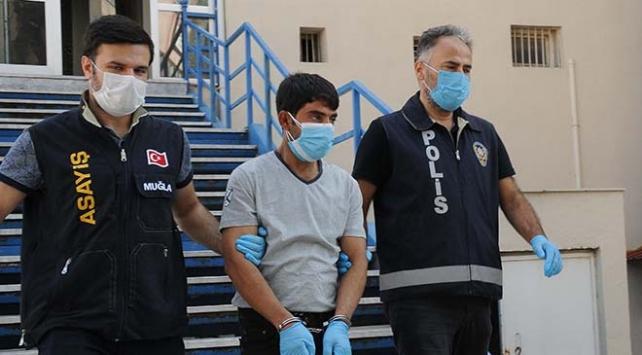 Emekli savcı, FETÖ suçlamasıyla arayanlara 380 bin lirasını kaptırdı