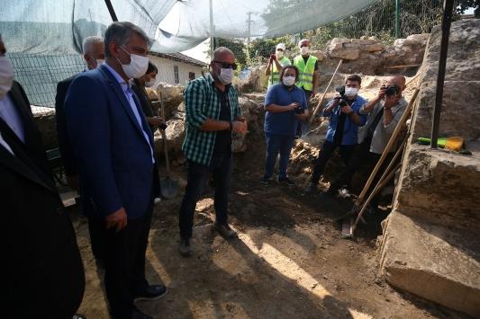 Kültür ve Turizm Bakan Yardımcısı Alpaslan, Düzcede Konuralp kazı alanını inceledi