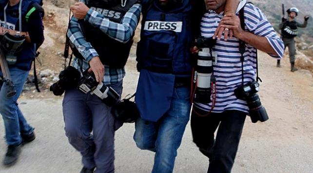 İsrail güçleri, AA foto muhabirini yaraladı