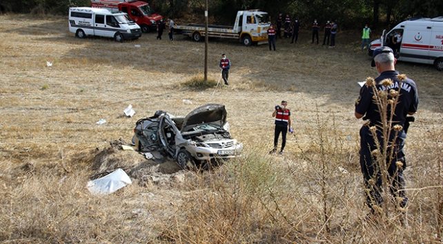 Uşakta trafik kazası: 1 ölü, 1 yaralı
