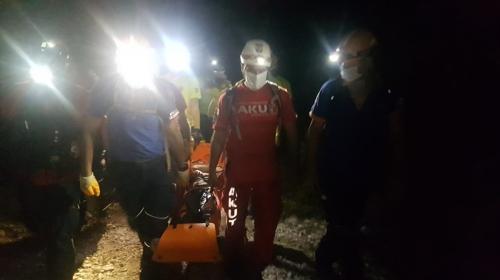 Bursa'da kestane toplarken uçuruma yuvarlanan kişi kurtarıldı