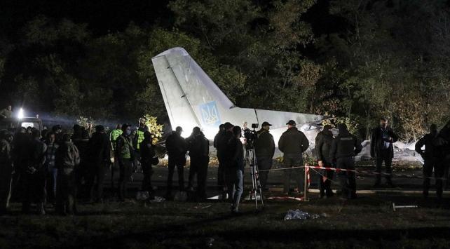 Ukraynada düşen askeri uçağın karakutusuna ulaşıldı