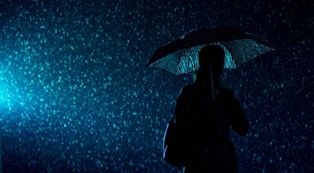 İstanbulda sağanak ve fırtına etkili oldu