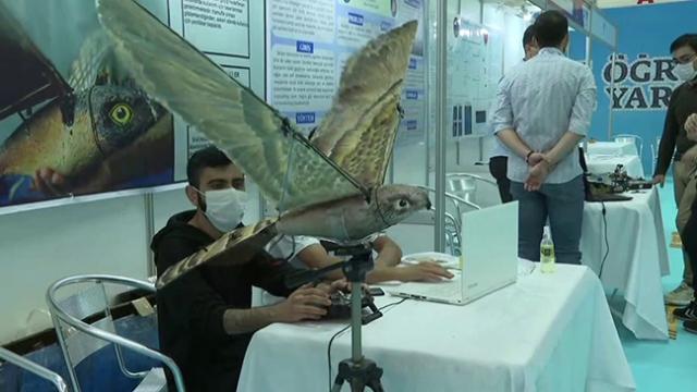 Amca yeğenden TEKNOFEST'te 'robot kuş' projesi