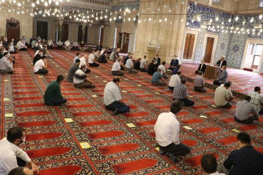 Selimiye Camiinde din görevlileri için Kovid-19 bilgilendirme toplantısı düzenlendi