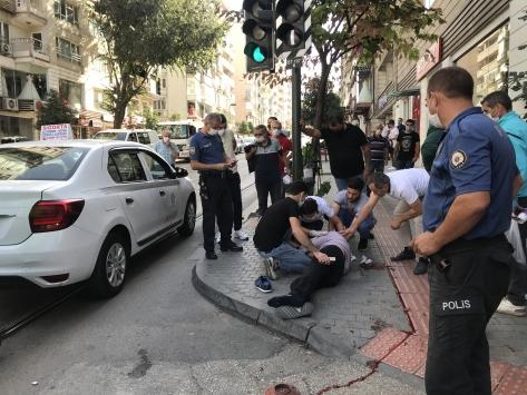 Bursada dolmuşun çarptığı yaya ağır yaralandı