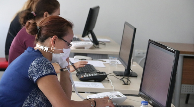 Koronavirüsle ilgili merak edilenler Pandemi Danışma Hattında cevap buluyor