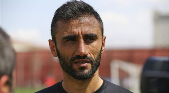 Selçuk Şahin futbolu bıraktığını duyurdu