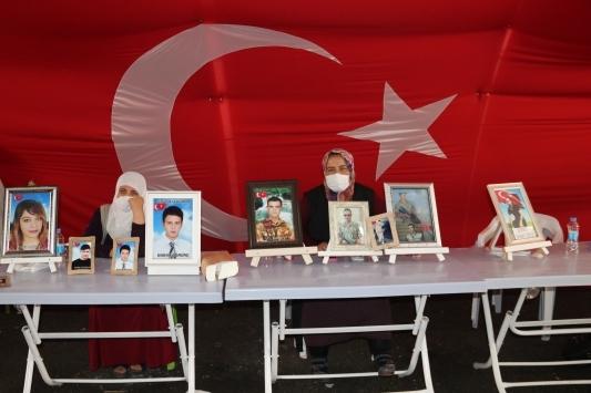 Çavuşoğlu BMyi Diyarbakır Annelerine desteğe çağırdı