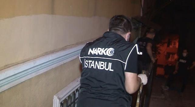 İstanbulda zehir tacirlerine operasyon