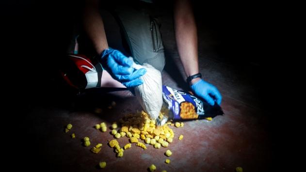 Bursada cips paketine 1 kilo 100 gram eroin saklayan 4 şüpheli yakalandı
